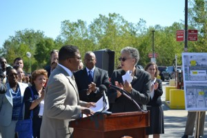 In her remarks, President Preckwinkle mentioned that infrastructure improvements are vital to economic growth. Pictured behind her is Herman Brewer, Bureau Chief, Cook County Bureau of Economic Development. Also present was Robin Kelly, Bureau Chief, Bureau of Administration and John Yonan, Superintendant, Department of Highways. Other County officials and staff related to the project were also present.